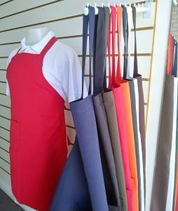 Uniformes para Gastronomia e Restaurantes em Geral: Avental para comércio várias cores, avental para panificadoras, mercados e restaurantes