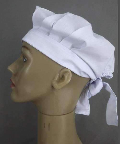 Uniformes para Gastronomia e Restaurantes em Geral: Touca Chef de amarrar branca de lado